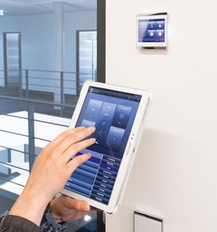 Raum-Controller Corlo Touch KNX
